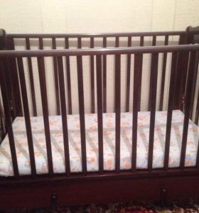 Кровать детская с матрасом