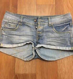 Шорты, рваные джинсы