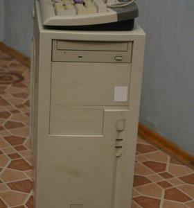 Компьютер с монитором, клавиатура и мышь
