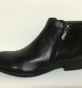 Новые ботинки VS чёрные