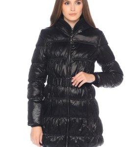 Новое пальто, Colin's