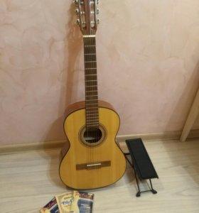 Гитара Cremona 4655 размер 3/4 +подставка и струны