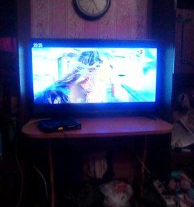 3D телевизор,110 диагональ, есть очки 3 пары,пульт