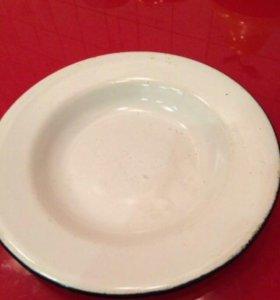 Эмалированная тарелка диаметр 18 см. Глубина 1.8