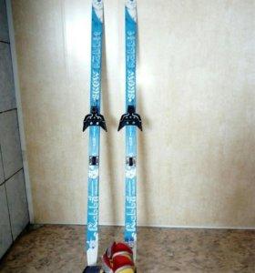 Лыжи 130см с креплением, ботинки размер30