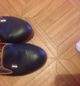 Обувь кожаная фирменная