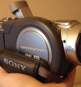 Видео камера DVD405 Sony