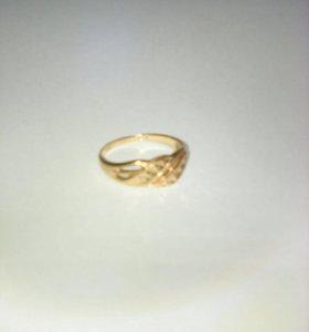 Золотое кольцо размер 17,5