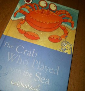 Книжка на английском The Crab Who Played with...
