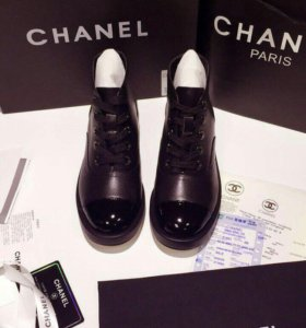 Ботинки CHANEL черные ,кожа
