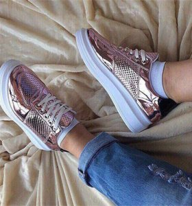 Стильные лаковые ботиночки