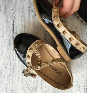 Обувь на девочку. Состояние отличное. Размер 27