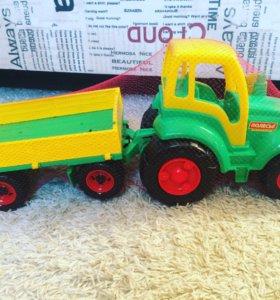 Трактор с прицепом не б/у