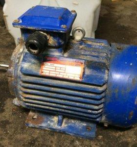 Электродвигатель асинхронный 5АИ100L2Y2 - 5.5кВт