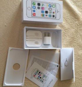 Коробка от iPhone 5s и наушников