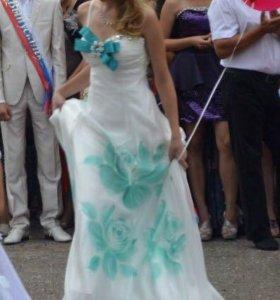 Выпускное платье ручной работы