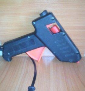 Клеевой пистолет (проводной).