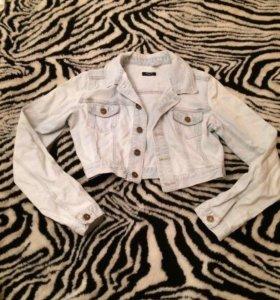 Куртка джинсовая .