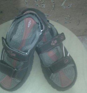 Летняя обувь для мальчиков.