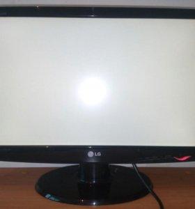 LG Flatron W2243s pf
