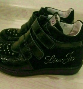 Новые ботинки Liu Jo, размер 25