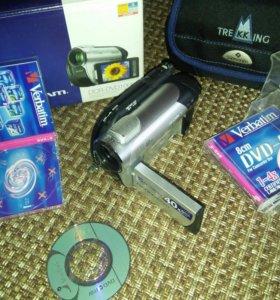 Видеокамера Sony DCR-DVD106E