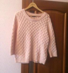 свитер нежно розовый цвет
