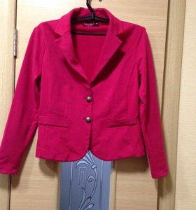 Стильный пиджак р-р 46
