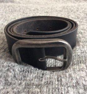 Мужской чёрный кожаный ремень б/у