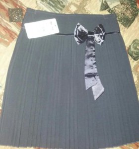 Новая плиссированная юбка на девочку до 10 лет