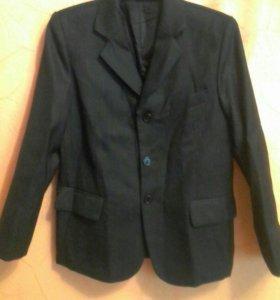Пиджак для мальчика.