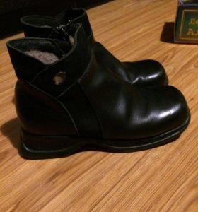 Демисезонные ботинки размер 33 для девочки