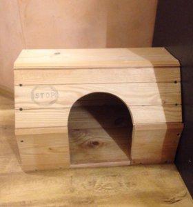 Деревянный домик для животного