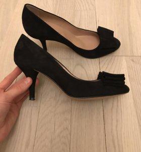 Туфли замшевые 38,5 р