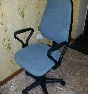 Кресло компьютерное с доставкой на дом.