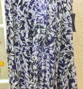 Новая шелковое платье с оригинальным фасоном