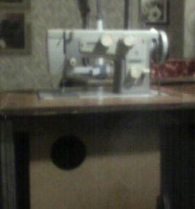 Швейная машина ножная ,,Подольск -142,,