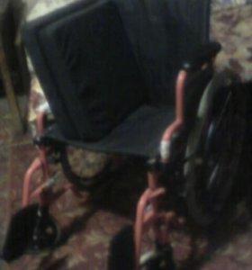Инвалидная коляска раскладная новая.