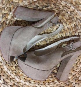 Замшевые туфли ( открытые)