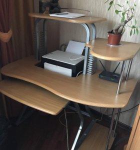 Продам компьютерной стол в хорошем состоянии