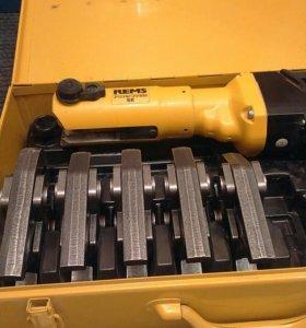 Инструмент для опрессовки стальных и медных труб