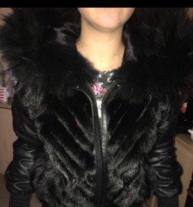Кожаная куртка ( с мехом )почти новая