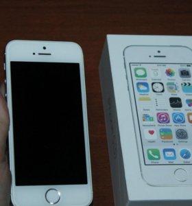 iPhone 5s(16GB)+ 15 чехлов +беспроводные наушники