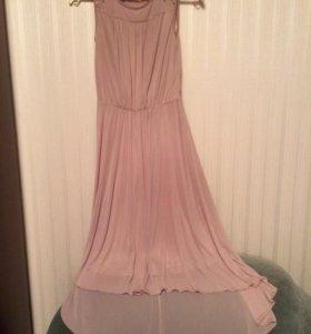 Романтичное бежевое платье Zarina