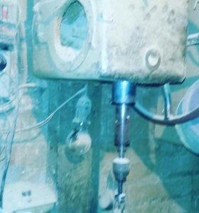Сверлильный станок 220/380 В