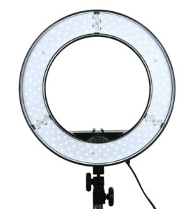Кольцевая ringled light лампа новая