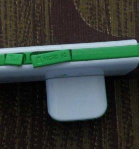 Модем мегафон, сим карта, поддерживает микро СД.