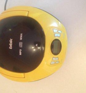Продам портативную cd/MP3/usb магнитолу