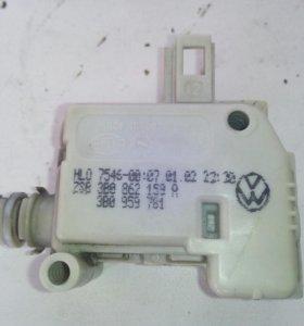 Привод замка крышки багажника Audi VW3B0 862 159