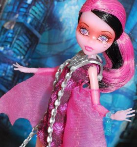 Новая Кукла Monster High Дракулаура